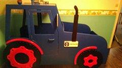 Traktor_Bett.jpg